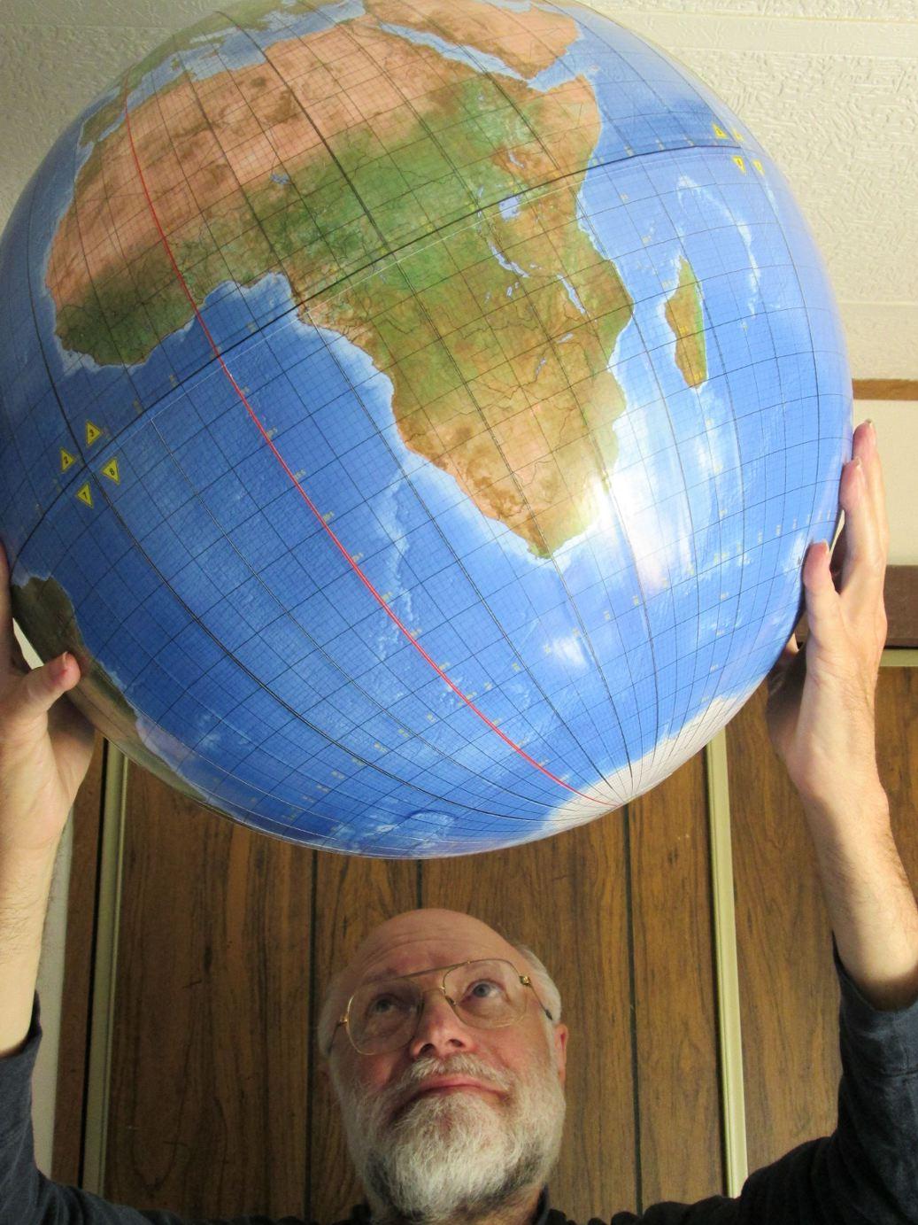 Cahill-Keyes 1-degree globe